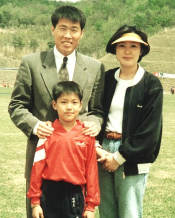 Cha Bum-Kun, Lee Min Ho & his mother