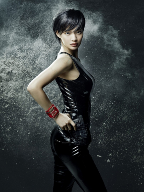 Shin Mina as Carrie-Anne Moss in Matrix