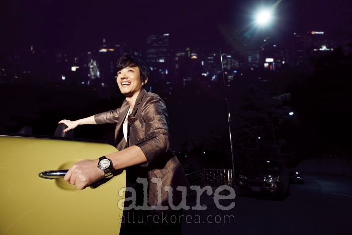 Lee Bum Soo in Allure (7/09)