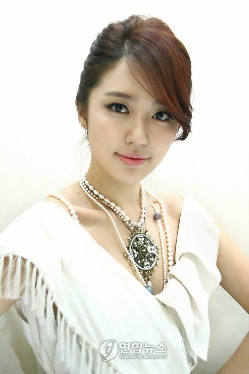 Yoon Eun Hye as Kang Hye Na for My Fair Lady