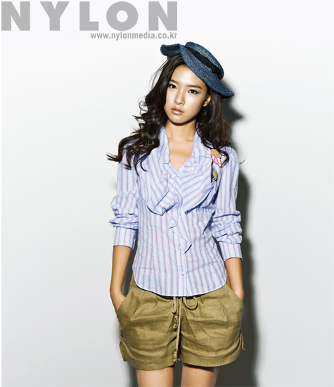 Kim So Eun in Nylon (7/09)